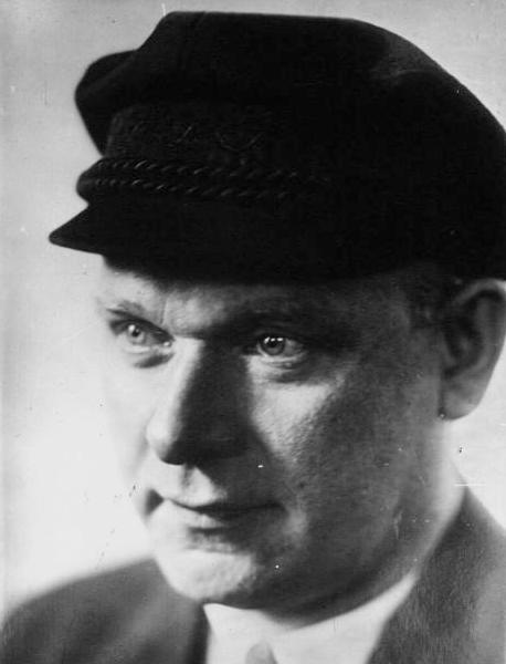 Ernst_Thälmann_1932